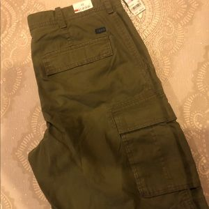 Izod Khaki Cargo Shorts Pockets olive green